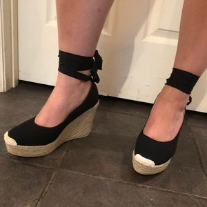Mossimo black lace up wedges size 8.5